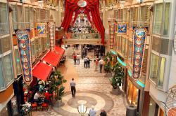 Freedom of the Seas, die königliche Einkaufspromenade