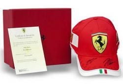 Ferrari Baseball Cap mit Autogrammen