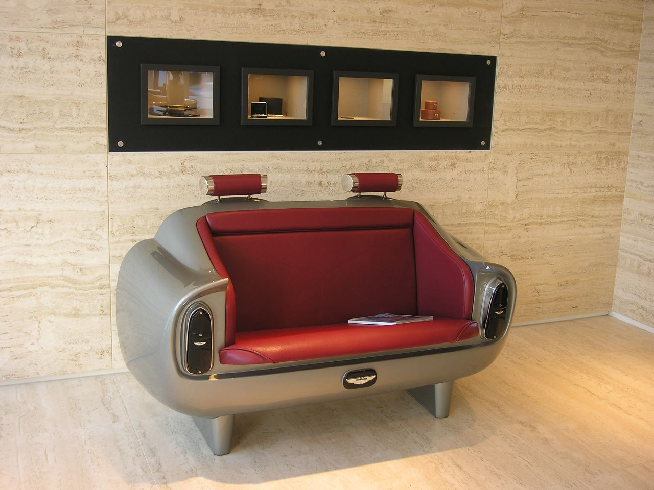 Aston Martin Db6 Couch Limited Edition Richtigteuer De