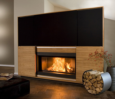 multimedia kamin mit eingebautem lcd fernseher. Black Bedroom Furniture Sets. Home Design Ideas