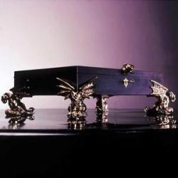 Schmuckbox mit Gargoyles geschmückt