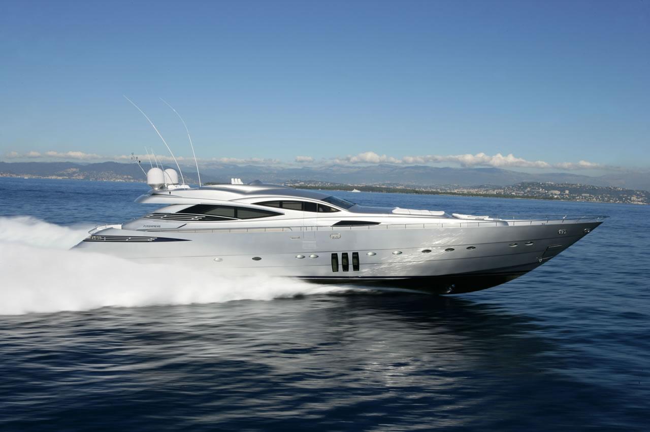 Pershing 115 Sportliche Luxusyacht Der Superlative