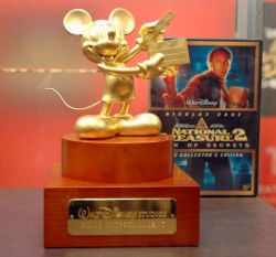 Goldene Mickey Mouse Figur