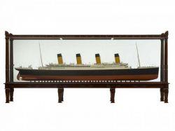 5 Meter langes Modell der Titanic