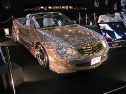 Mercedes mit 300.000 Swarovski Kristallen