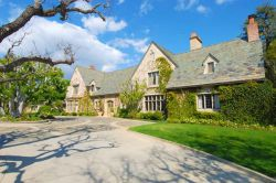 Hugh Hefners Villa in Los Angeles