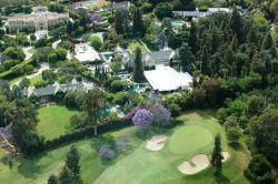 Hugh Hefners Villa in Los Angeles und die Playboy Mansion