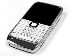 Nokia E71 mit Diamanten besetzt