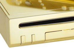 Queen bekommt eine vergoldete Nintendo Wii