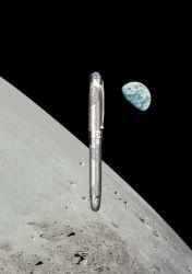 Omas feiert erste bemannte Mondlandung