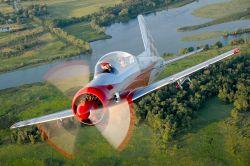Bear 360 - Jagdflugzeug mit 360 PS