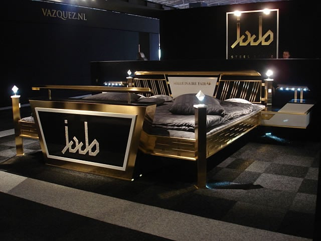 das wohl teuerste bett der welt. Black Bedroom Furniture Sets. Home Design Ideas