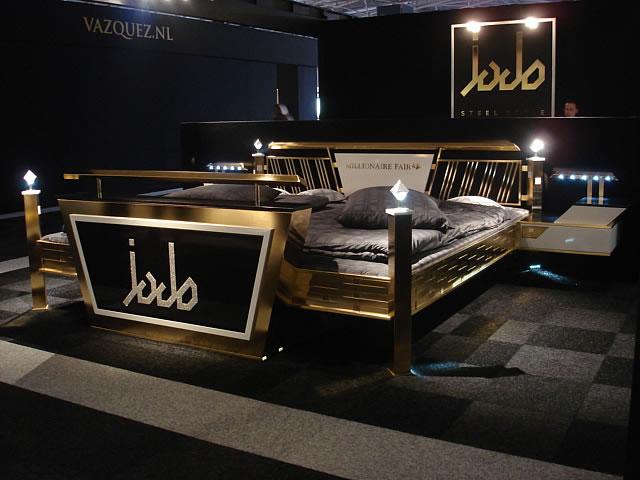 das wohl teuerste bett der welt. Black Bedroom Furniture Sets. Home Design Ideas