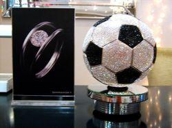 Shimansky bietet einen 2,5 Millionen Diamant Dollar Fussball