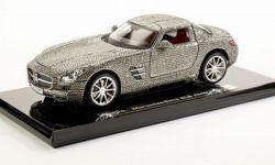 Mercedes Benz SLS AMG mit Swarovski Kristallen