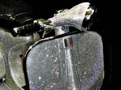 Vespa VVB 150 von 1961 mit 150.000 Swarovski Kristallen