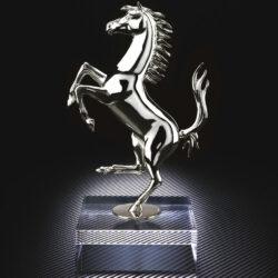 Silberskulptur vom Cavallino Rampante