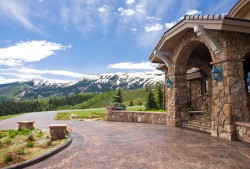 Anastasia Pines - Ranch in Aspen, Colorado