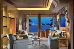 Villa in Newport Beach am Meer gelegen