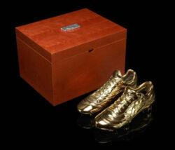 goldene Nike Schuhe für Ronaldo