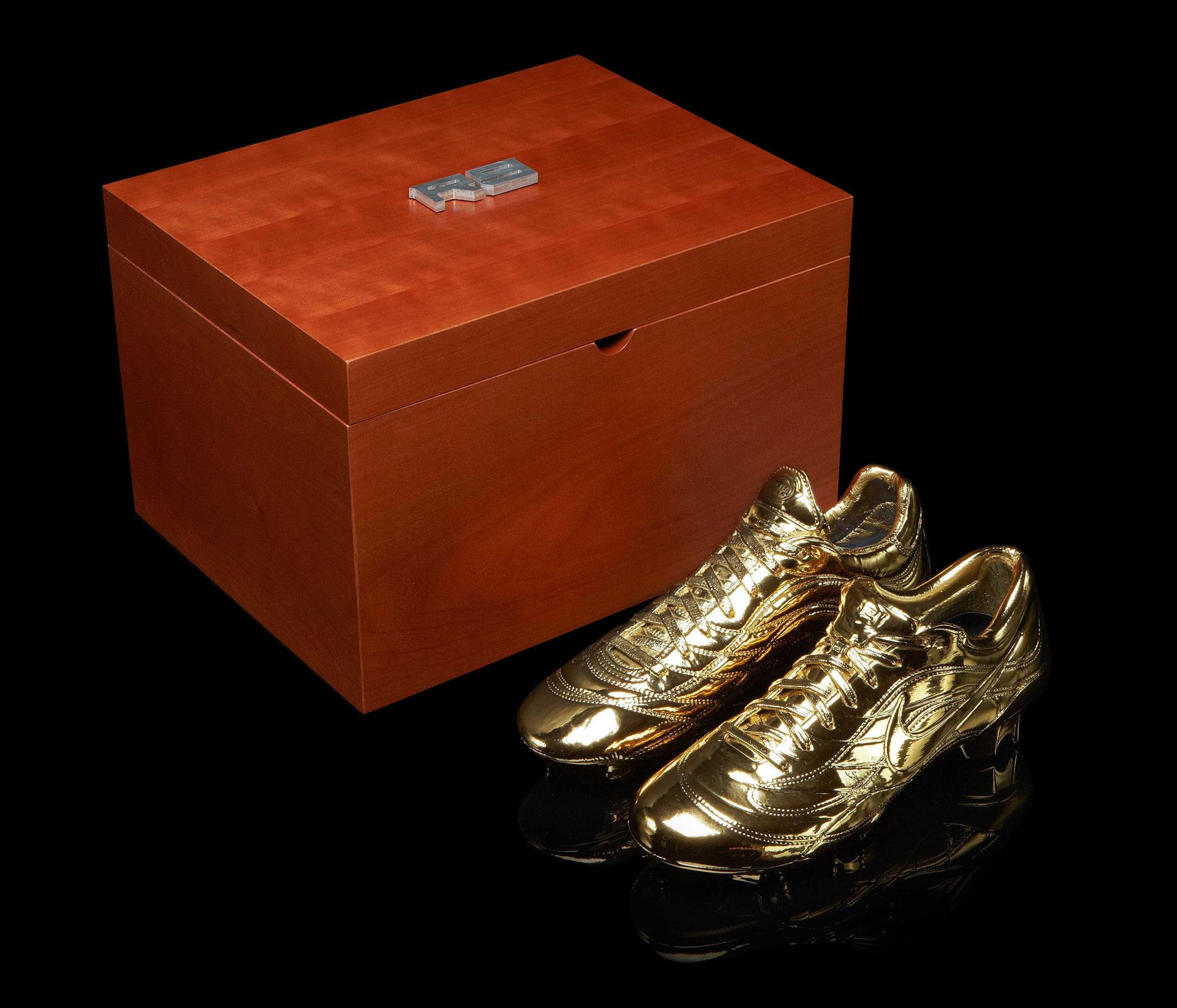 Teuerste nike schuhe der welt  goldene Nike Schuhe für Ronaldo - richtigteuer.de