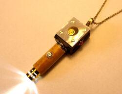 eluxio Schmucktaschenlampe aus Ebenholz