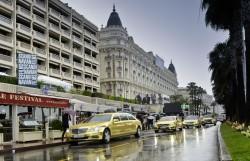 Goldene Mercedes Flotte bei den Filmfestspielen in Cannes