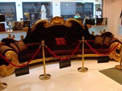 Michael Jackson's Luxussofa