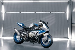 BMW HP4 - High Performance Vierzylinder Bike