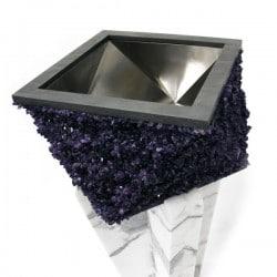 Ein Abwaschbecken aus Amethyst