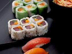 Kate Moss designt Sushi für Sushi Shop