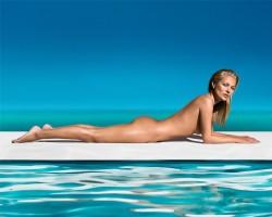 Kate Moss strippt für St. Tropez