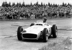 Juan Manuel Fangio's Mercedes wurde für eine Rekordsumme versteigert