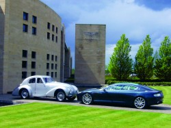 © Making Aston Martin by Ulrich Bez, At the Gates at Gaydon: an Aston Martin Atom from 1939 meets a 2006 Rapide show car, published by teNeues, € 79,90, - www.teneues.com. Photo © 2013 Dr. Ulrich Bez / Aston Martin Lagonda Ltd.