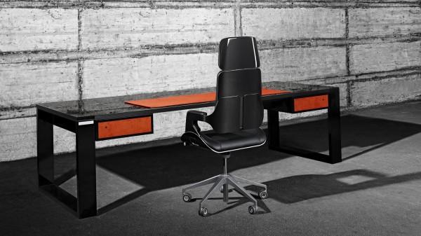 Ein Tisch wie ein Sportwagen, aus Carbon, von John & Table