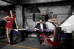 Ein Tisch wie ein Sportwagen, aus Carbon - von John & Table