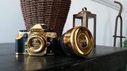Goldene Nikon DF Kamera von Brikk