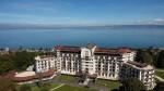Das Hotel Royal - Evian Resort - eingebettet in wunderschöne Landschaft