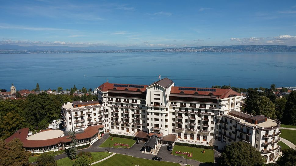 hotel royal evian resort in lac l man direkt am genfersee. Black Bedroom Furniture Sets. Home Design Ideas