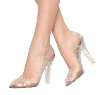 buy online 68ab9 185ec Cinderella-Style: Luxus-Schuhe aus Glas - richtigteuer.de