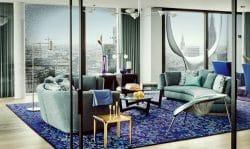 Wohnbereich des Musterapartments in der Elbphilharmonie