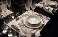 Königlich Speisen mit echtem Silberbesteck