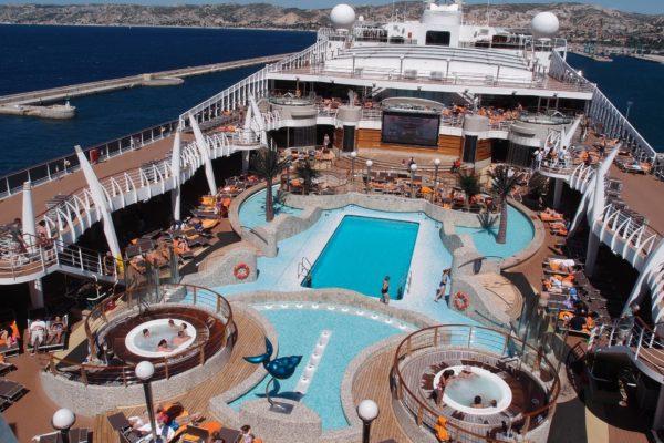 Luxus-Entertainment auf hoher See