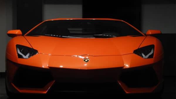 Fußballstars und ihre luxuriösen Fahrzeuge